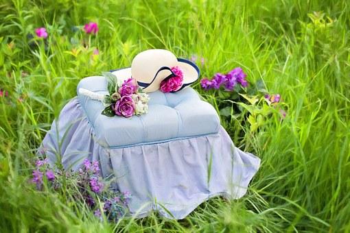 草原のテーブル