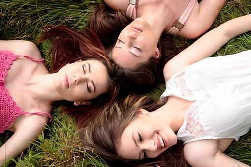 3人の女性